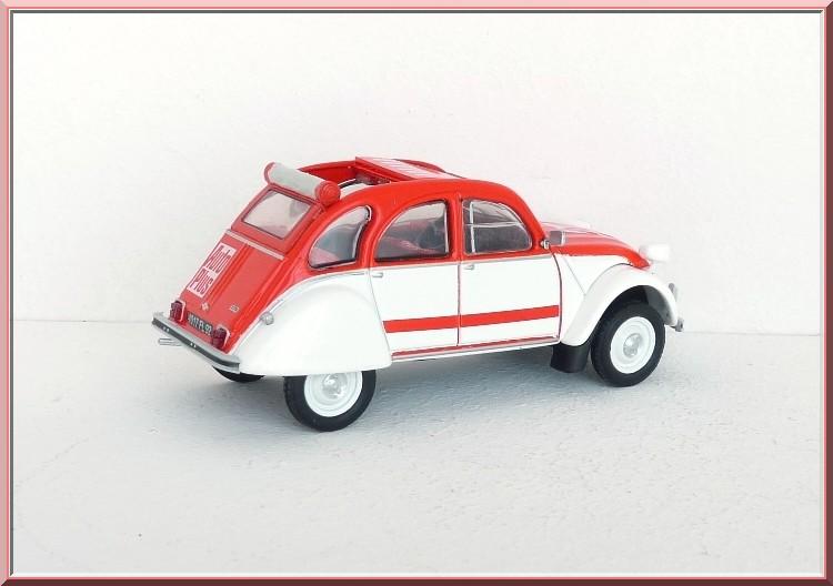 Garage de poche jip citro n 2cv spot - Garage miniature citroen ...