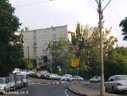 Продаются 3- 4-х комнатные квартиры в Хайфе.Улица Орен. Обращаться haifa.naki@gmail.com