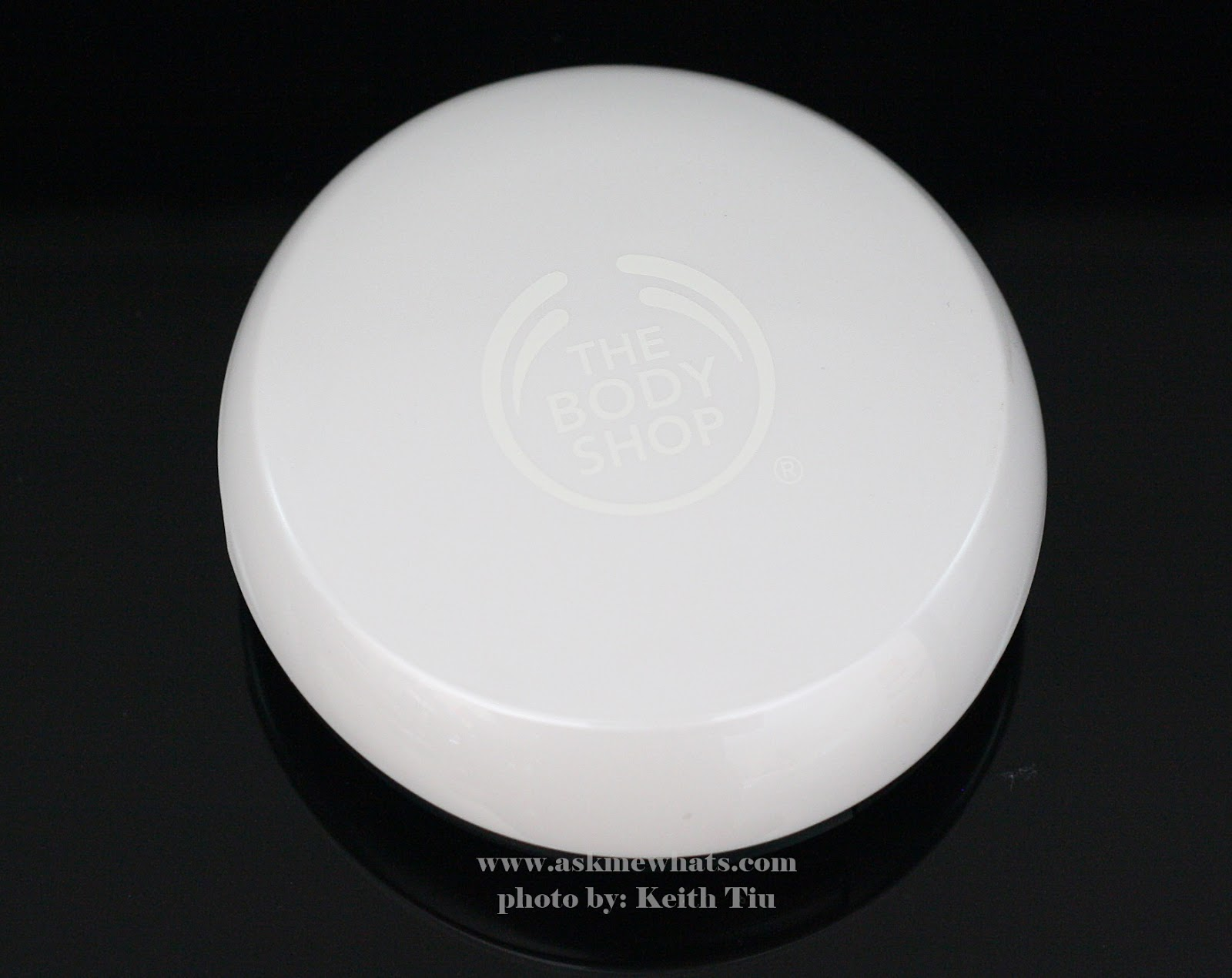 photo of The Body Shop New Moisture White Bright Compact Foundation SPF25 PA+++ Review