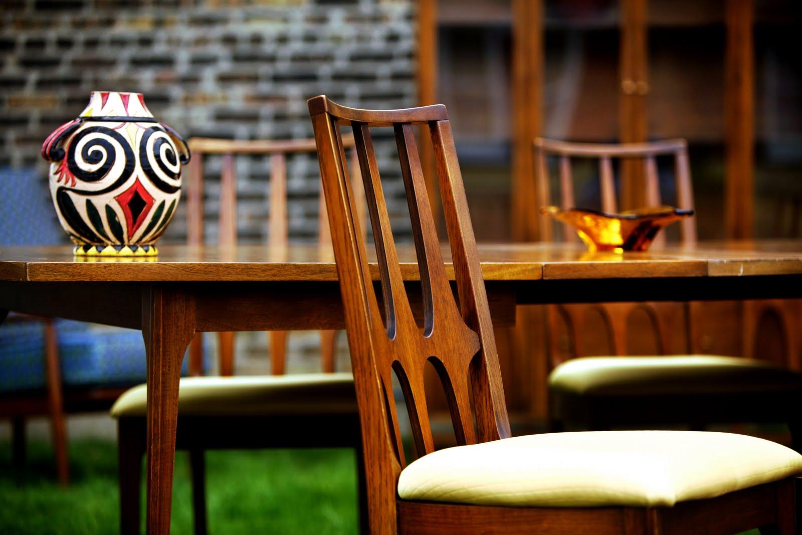 Remarkable Broyhill Brasilia Dining Room Table 1600 x 1067 · 162 kB · jpeg