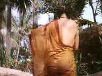 Amy dumas naked body