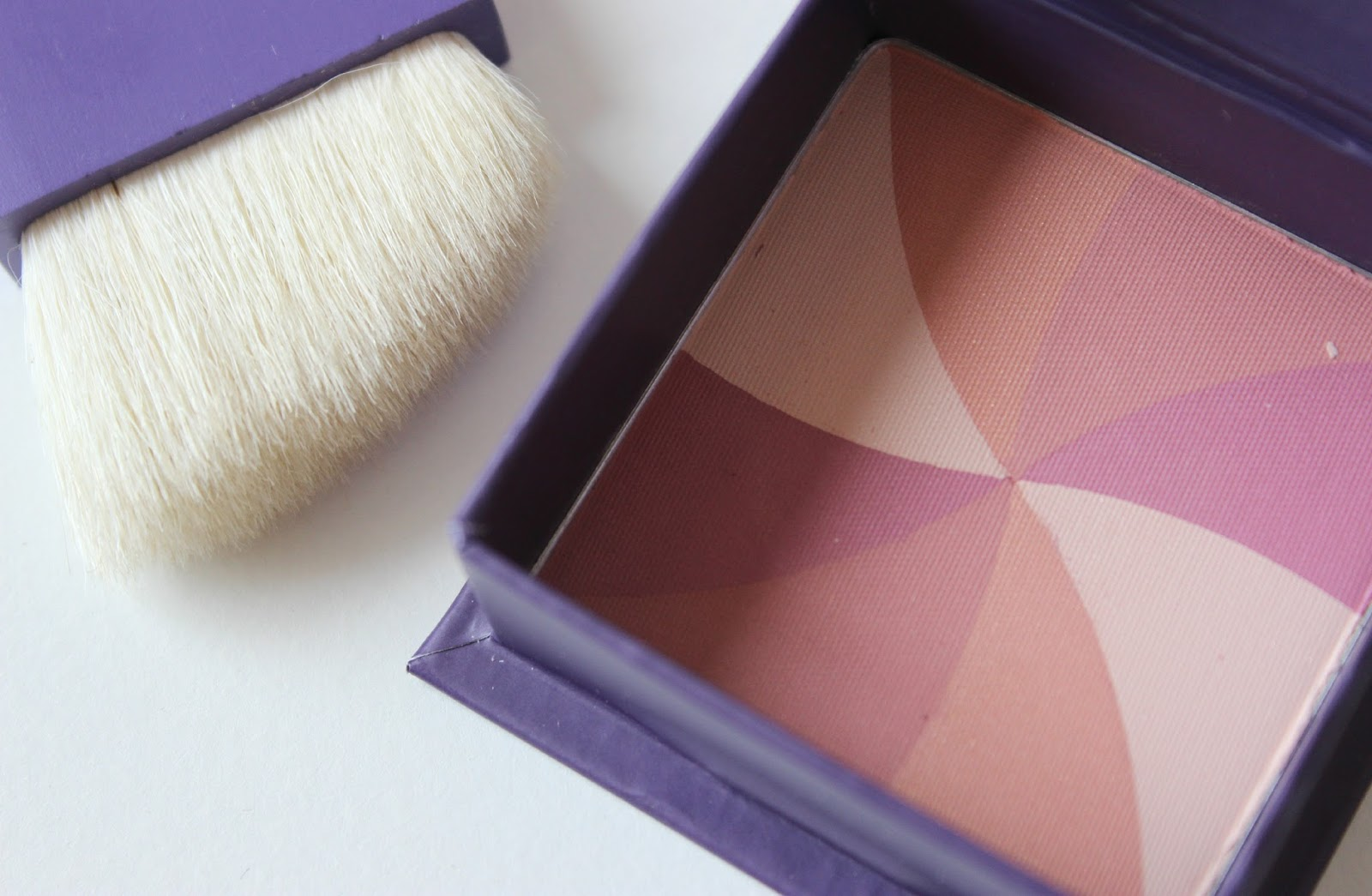 A picture of Benefit Hervana  Blusher