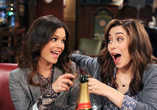Cristin Milioti y Rachel Bilson en el episodio 200 de Como conoci a vuestra madre