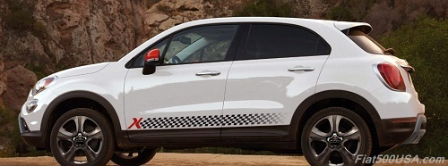 2016 Fiat 500X with Side Stripes