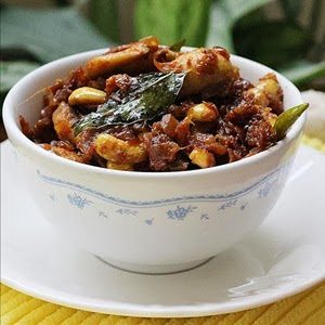 http://www.indianhealthyrecipes.com/2013/02/mushroom-curry-recipe.html