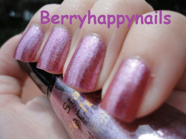 happyberrynaiad: Boots No.7 Stay Perfect Nail Polish in Milan