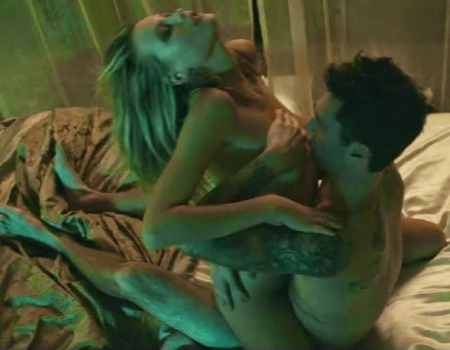 Adam Levine y Behati Prinsloo tiene sexo en vivo