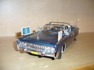 coche en miniatura a escala die-cast Lincoln X100 1961