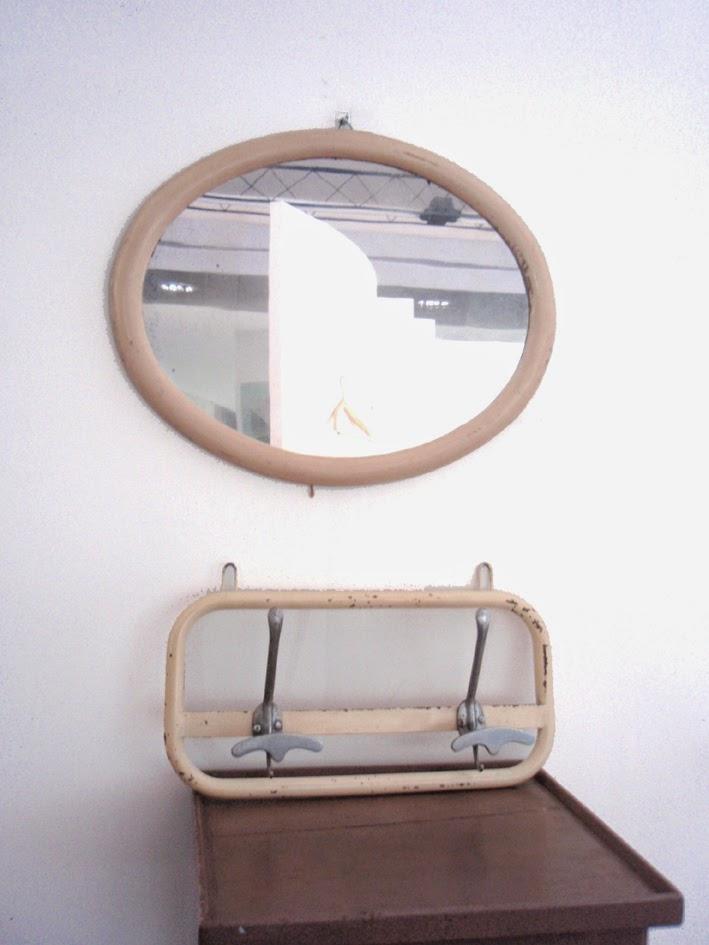 Trovarobando riscopriamo l 39 ingresso attaccapanni e - Specchio ovale vintage ...