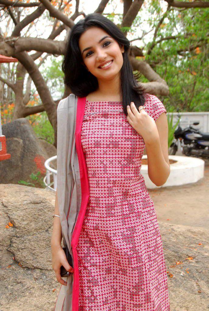 http://2.bp.blogspot.com/-x3CuVbzdhqQ/Tg718U1Tc-I/AAAAAAAAblw/lvKOV48LJb4/s1600/jasmine-bhasin-1.jpg