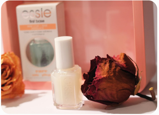 PHOTO ESSIE FIRST BASE MILLIONAILS