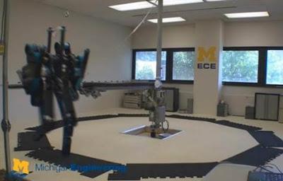 MABEL robot terlaju berlari