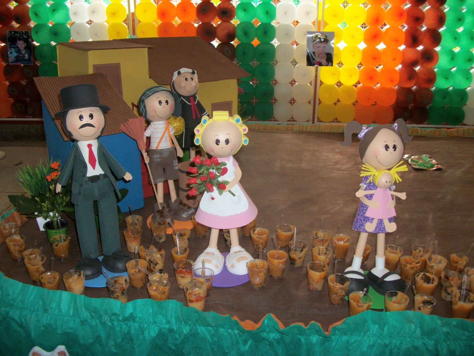 bonecos de eva 3d da turma do chaves para decoração de festas