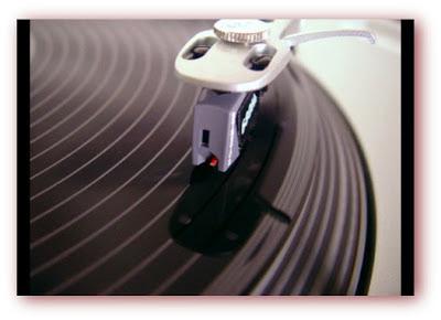 Imagem de disco de vinil num toca discos