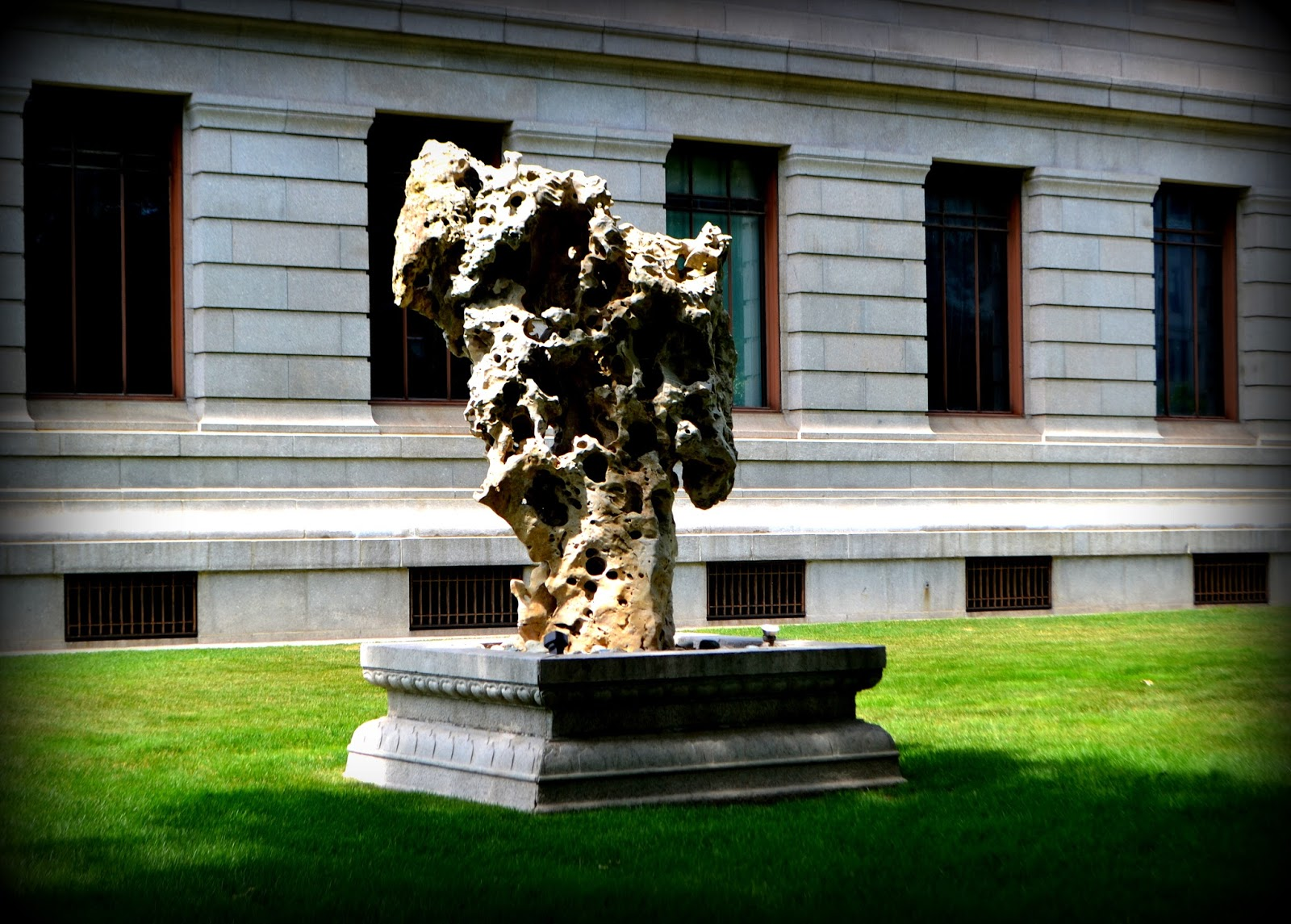 art, boston, massachusetts, mfa, museum of fine arts, sculpture, shadow,