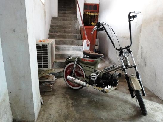 Motor Honda c 70 Yang