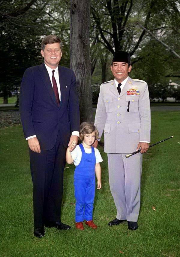 revolusi mental, mental revolution, inspiration, leadership, Jokowi, Sukarno, Jokowi president, new leader, leaders who inspire, John F Kennedy
