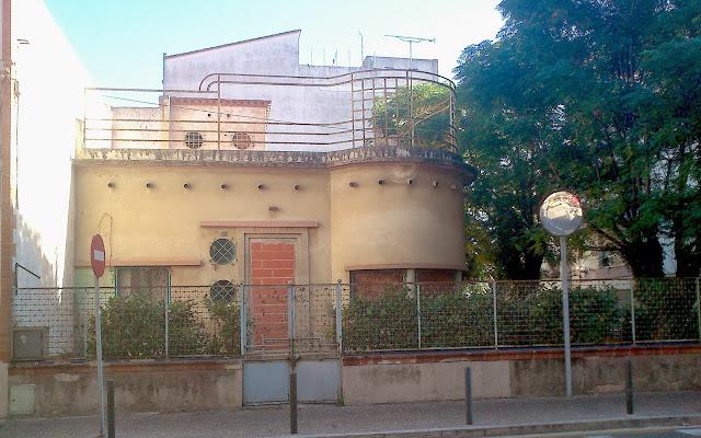 Casa abandonada. Encants de Girona.