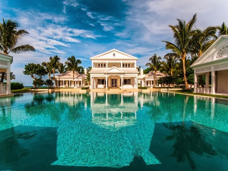 Swimming pool in Custom built celebrity home for Celine Dion