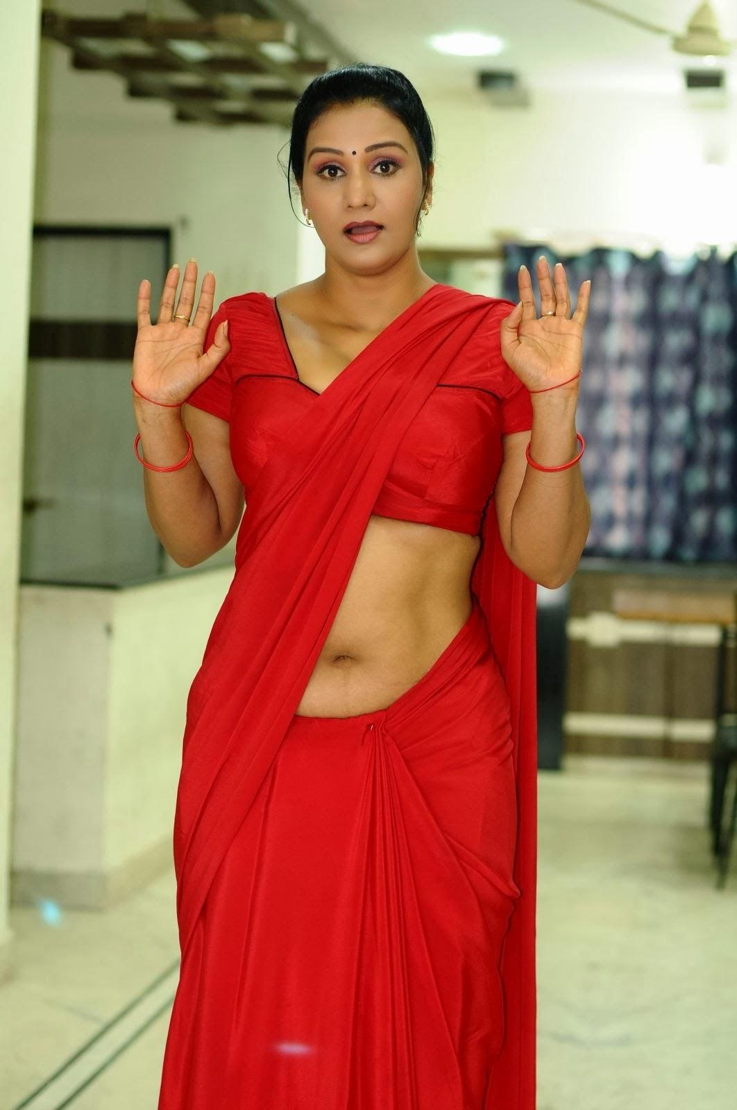 SAREE BELOW NAVEL PHOTOS: Actress Anjana Hot Spicy Navel
