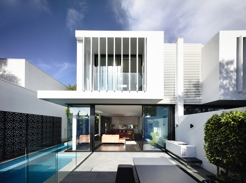 World of architecture perfect modern townhouse by martin for Modern townhouse architecture