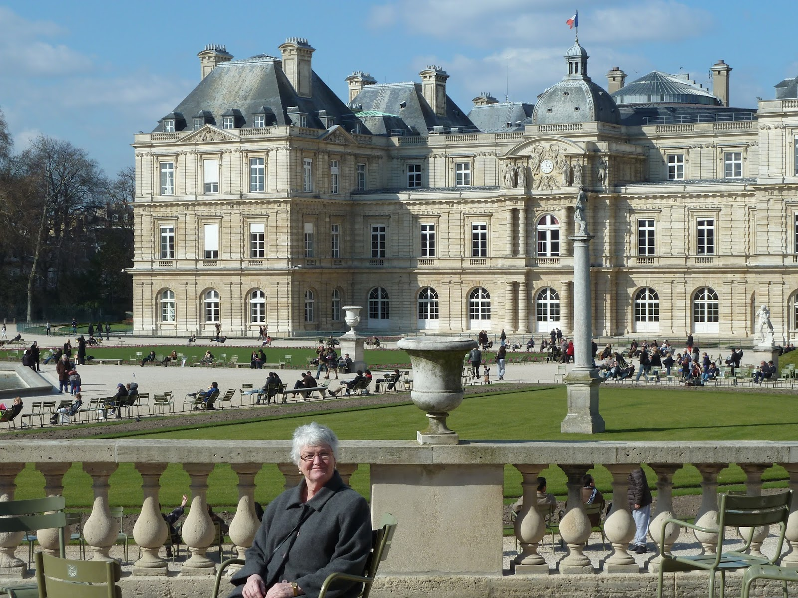 Aunty betty in paris le jardin du luxembourg monday 19 march for Le jardin luxembourg