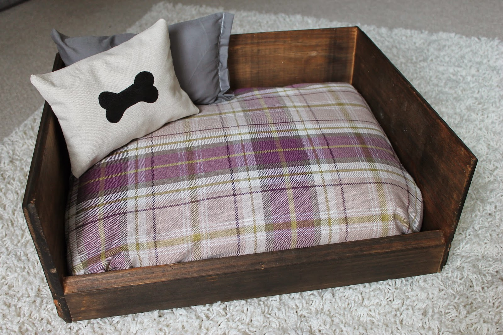 3 Cats And A Blogger D I Y Dog Bed