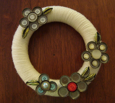 recycling for christmas: bottle cap &#038; button flower wreath