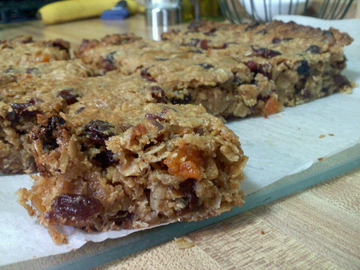 Five Sisters Kitchen: Thick, Chewy Granola Bars