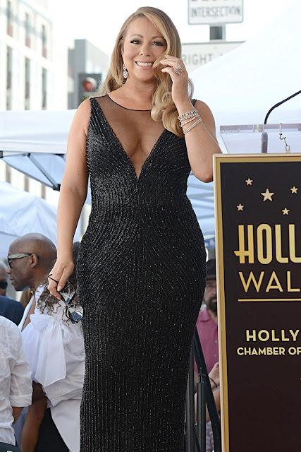 Mariah Carey obteve uma estrela na calçada dos desejos!