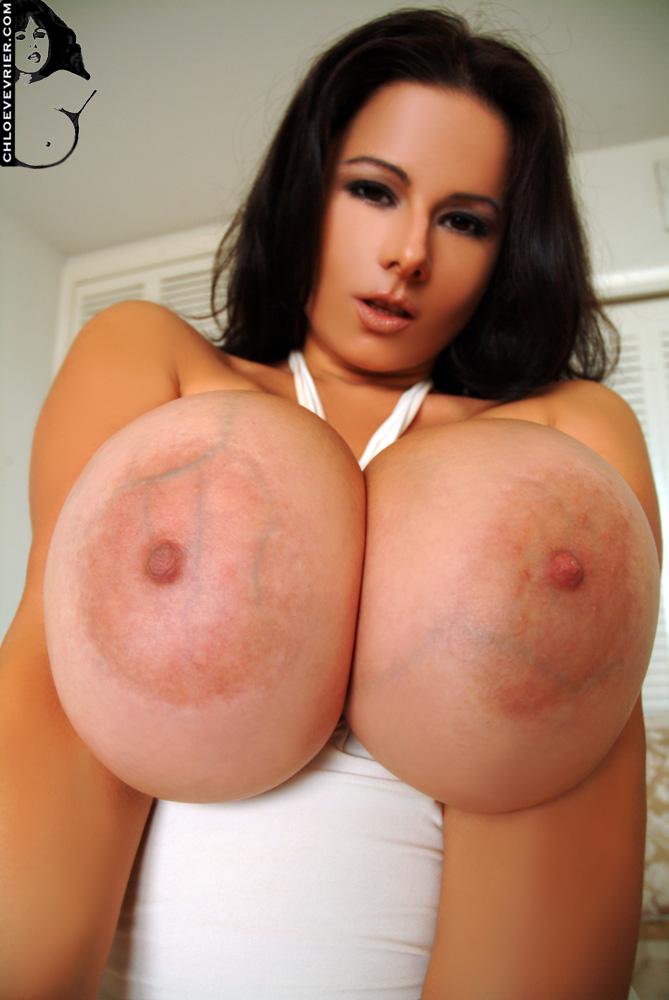 Nerdy girl w big boobs