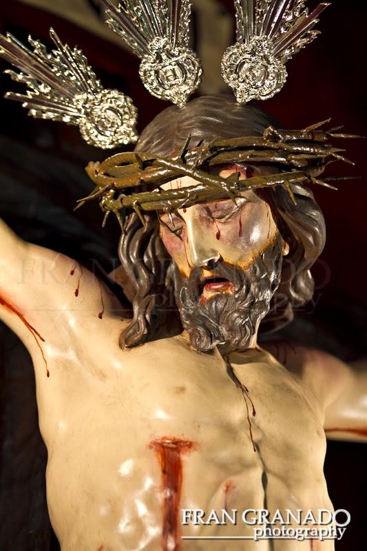 http://franciscogranadopatero35.blogspot.com/2014/12/la-hermandad-de-la-vera-cruz-de-la.html
