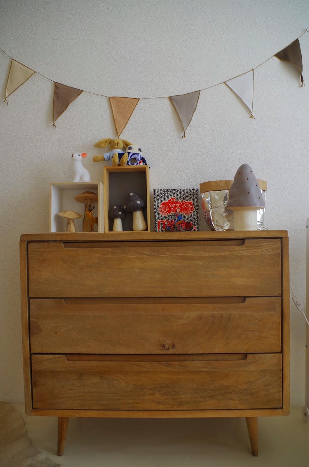 chevet ampm. Black Bedroom Furniture Sets. Home Design Ideas