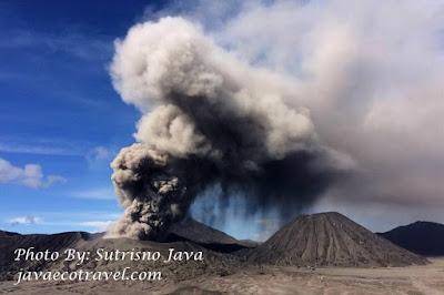 Bromo eruption 2016