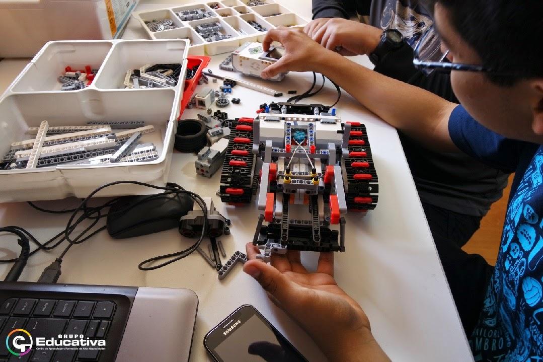 cursos-clases-talleres-ninos-robotica-matematicas-vacaciones-utiles-verano-arequipa