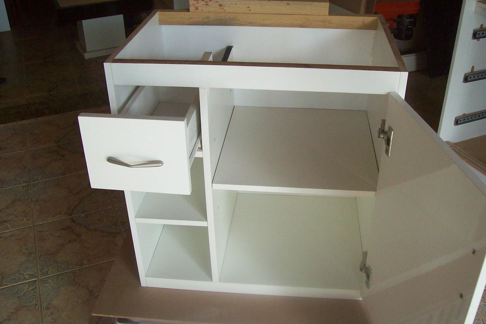 BETESDA MARCENARIA : Armário para pia de banheiro em mdf #33281D 1600 1067