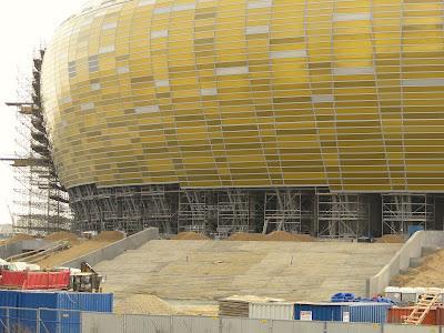 Schody wejściowe na Baltic Arena Gdańsk
