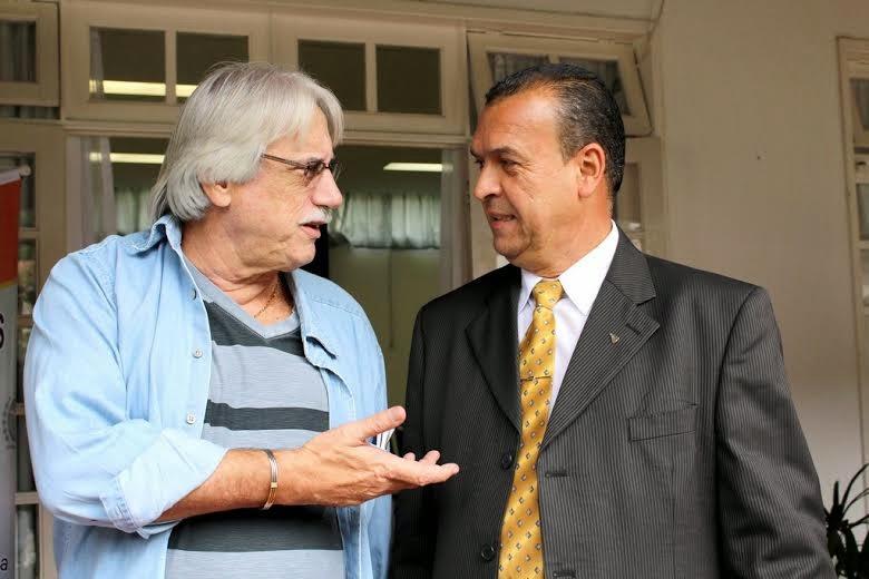 Secretário de Trabalho de Teresópolis, Lucas Bonifácio, conversa com Secretário Estadual Sérgio Tavares Romay