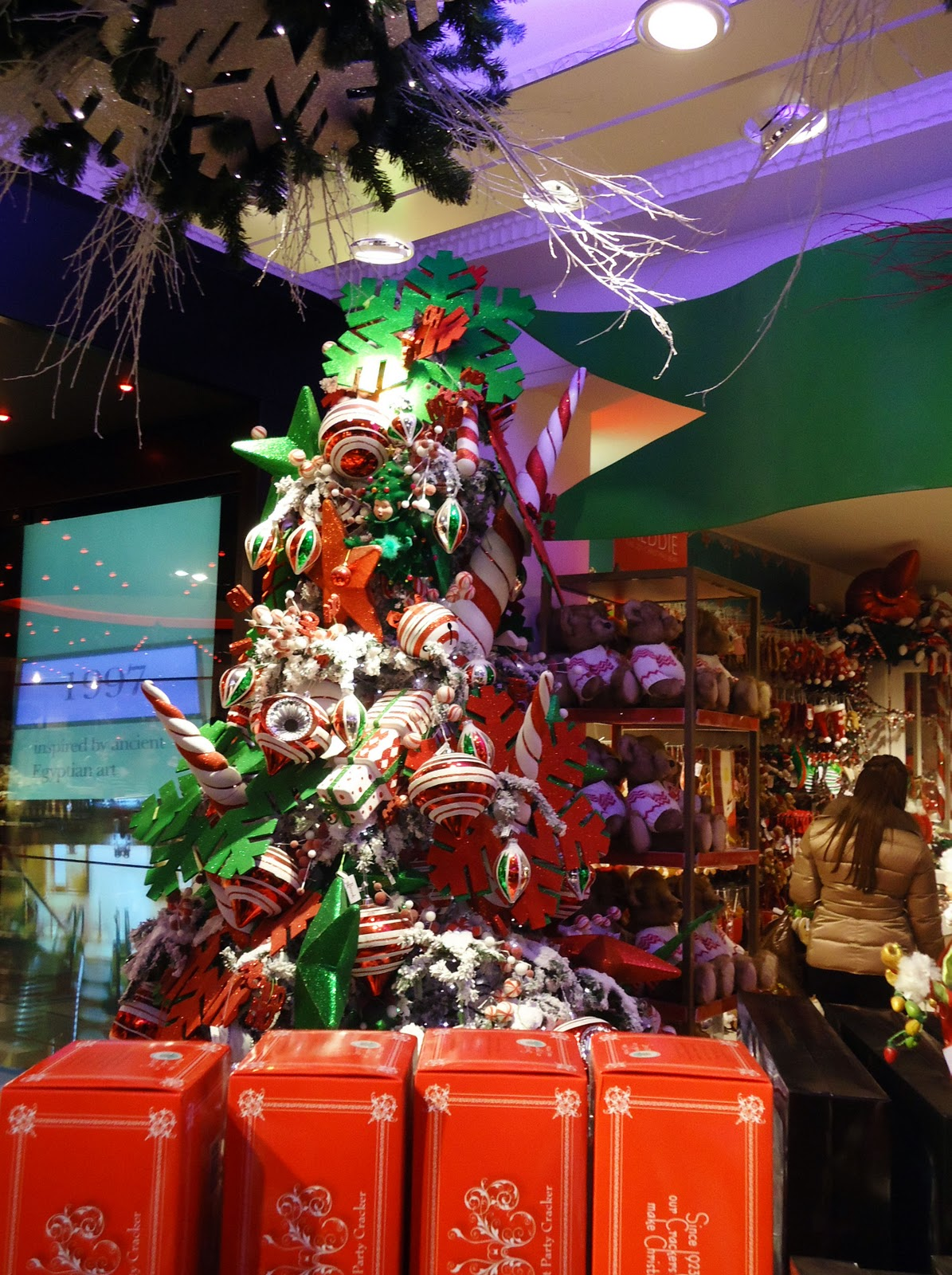 #BE2A0D LONjawn: Philly Expat In London: Harrods Crystal Christmas  6429 décoration noel harrods 1195x1600 px @ aertt.com