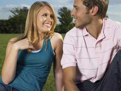 Body-Language-Flirting Tips & Signs To Meet Singles