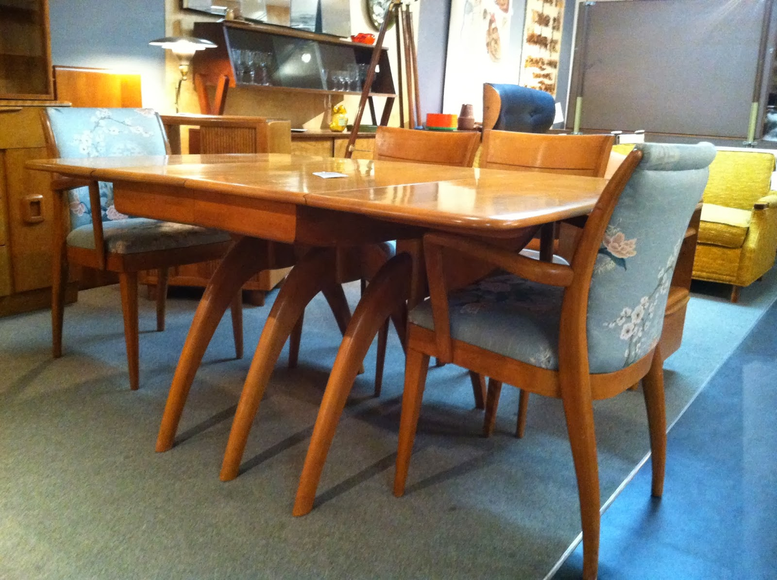 heywood wakefield dining table and chairs