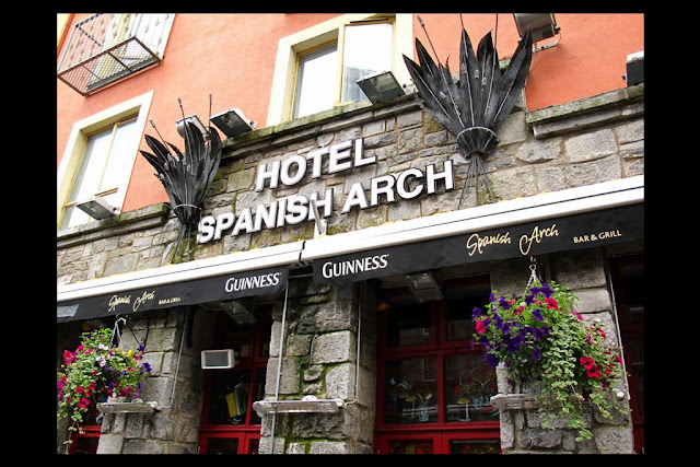 The Spanish arch hotel entrance, Galway