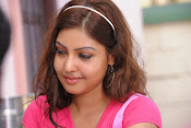 Komal Jha Glamorous Photos in Pink Top-thumbnail-14