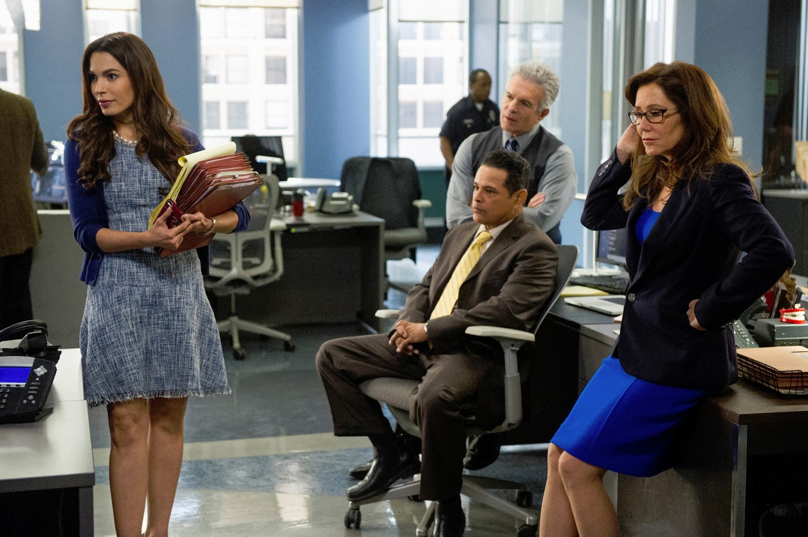 Fish tank kings cast - Nadine Velazquez Joins The Cast Of Major Crimes
