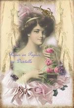 Roses en papier et dentelle