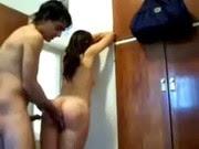Metendo no quarto com porta aberta não da certo - http://videosamadoresdenovinhas.com