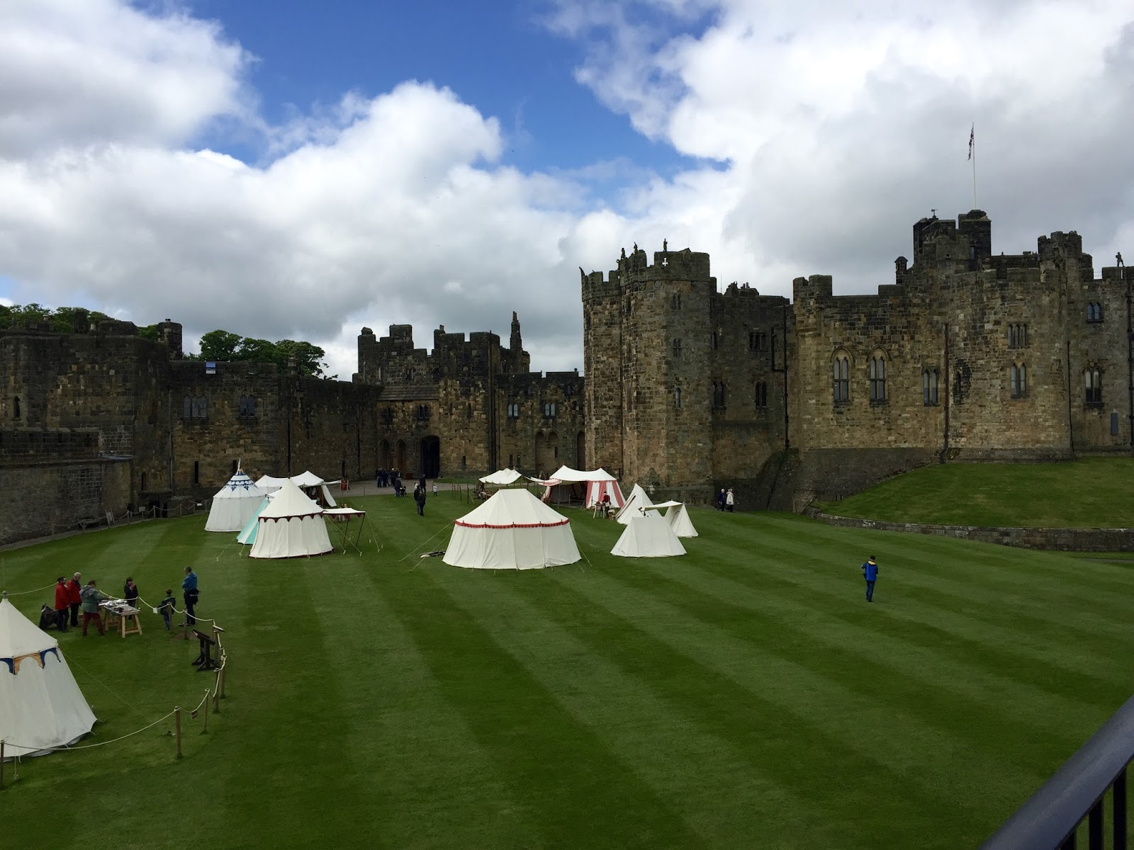 Where to find all Harry Potter Destinations Around the World Harry potter alnwick castle pictures