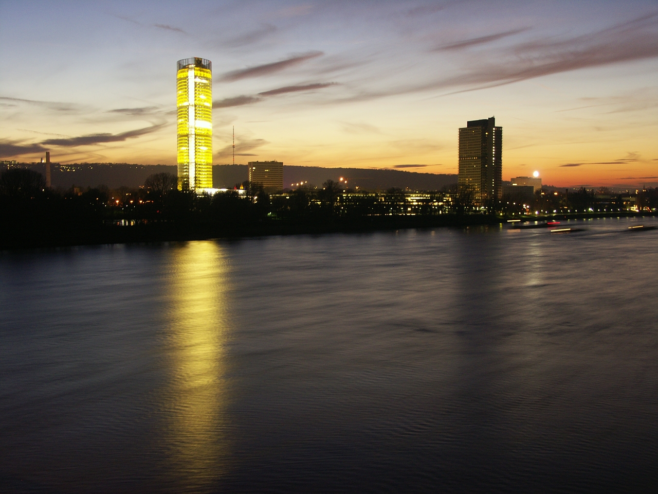 Bonn: Bonn - the forme...