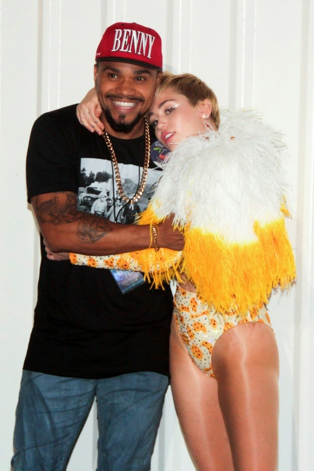Naldo and Miley Cyrus