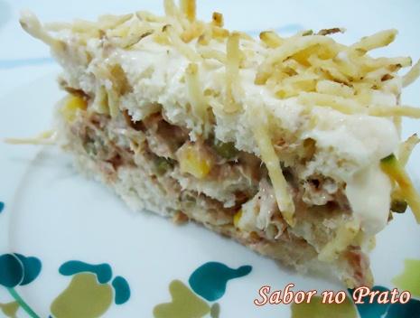 Torta fria de atum feita com maionese, fica uma delícia!